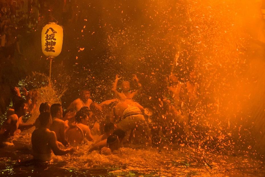 2017.07.08酒垂方神輿カンノジ松明10