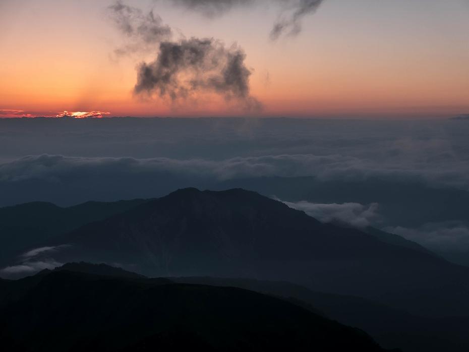 2017.08.03大汝峰からのご来光3.0506