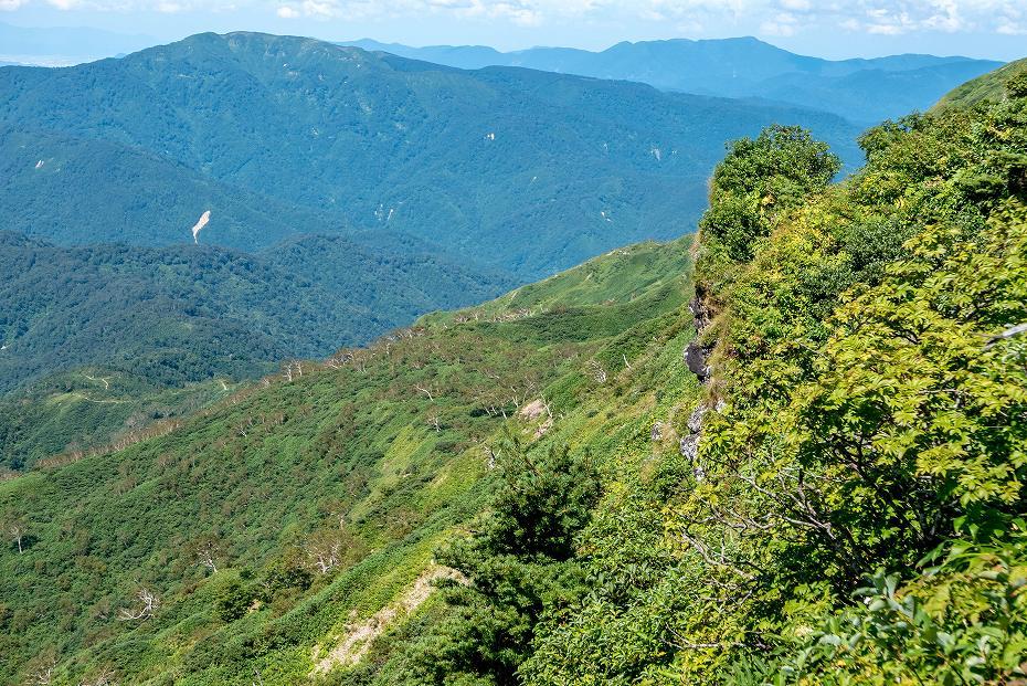 2017.09.01o御舎利山から石徹白道を下る12