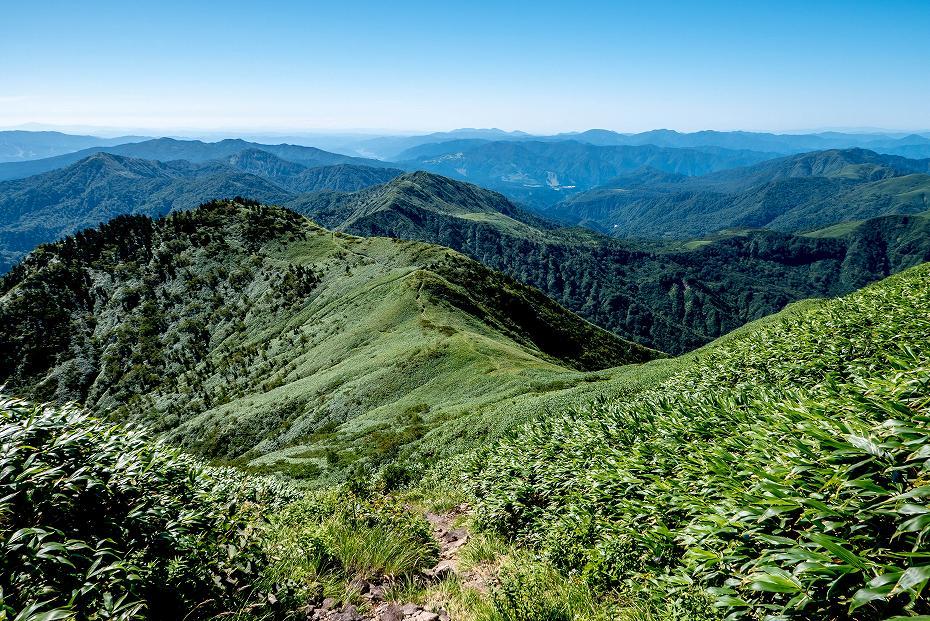 2017.09.01o御舎利山から石徹白道を下る10