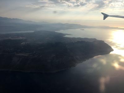 ハニア空港を飛び立つ
