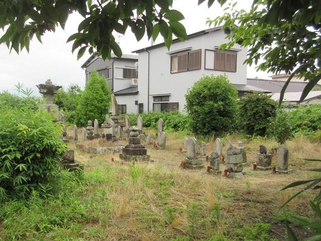 興福院墓地