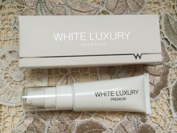 whiteluxury_7194.jpg