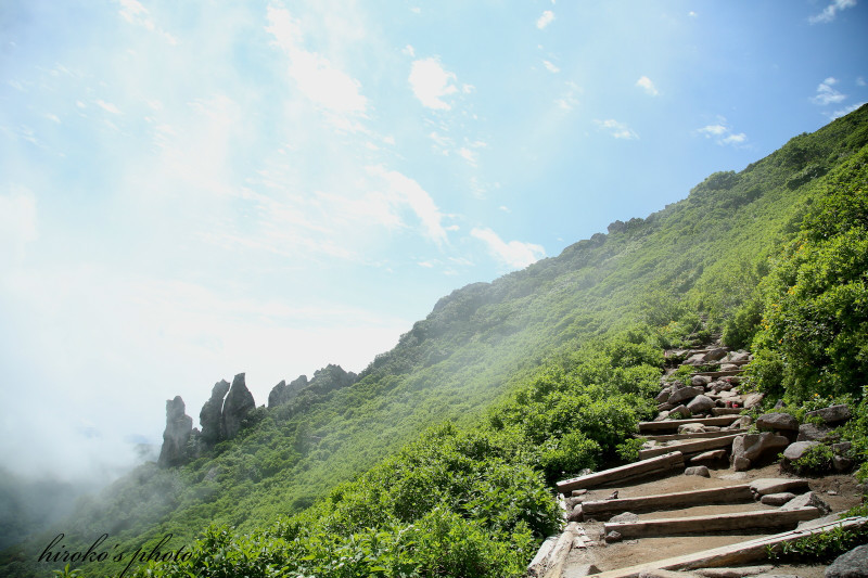 540 黒岳マネキ岩0001署名入りedited