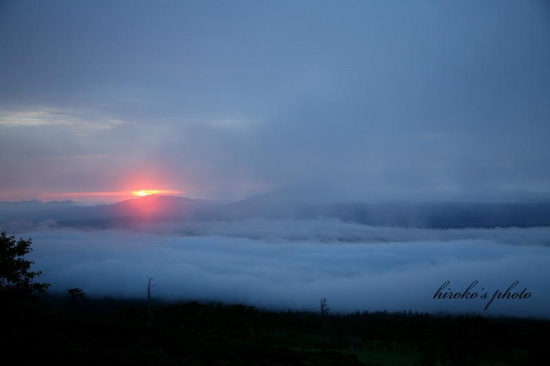 001 藻琴山展望台からの朝景0001署名入りedited