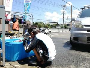 プール掃除 (2)