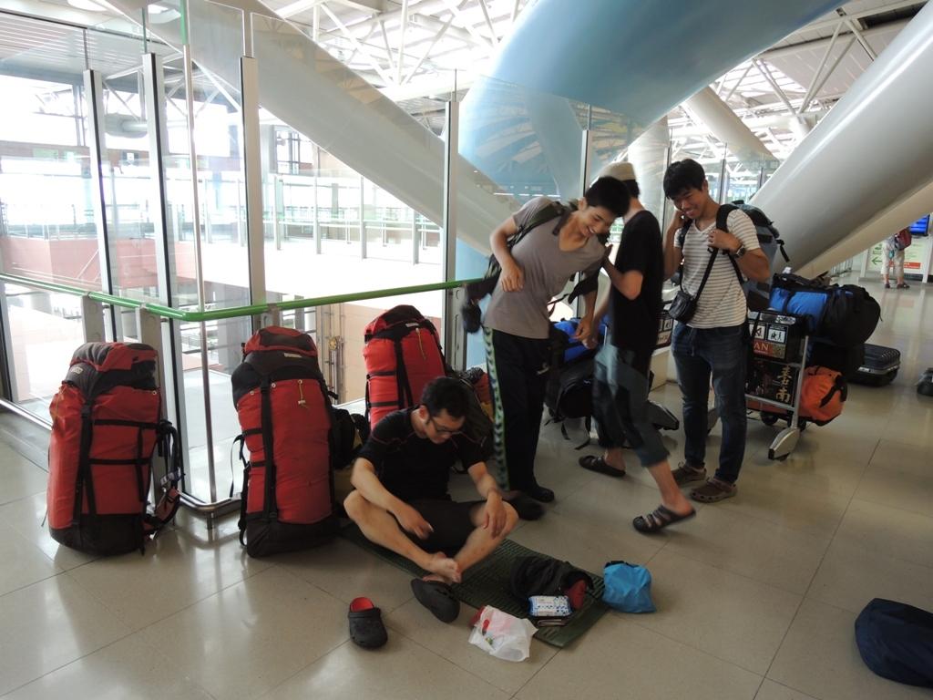 遠征隊の荷物