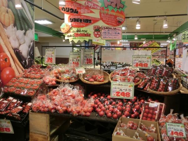 地階青果トマト