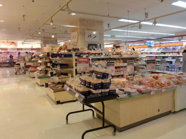 1階パン売場