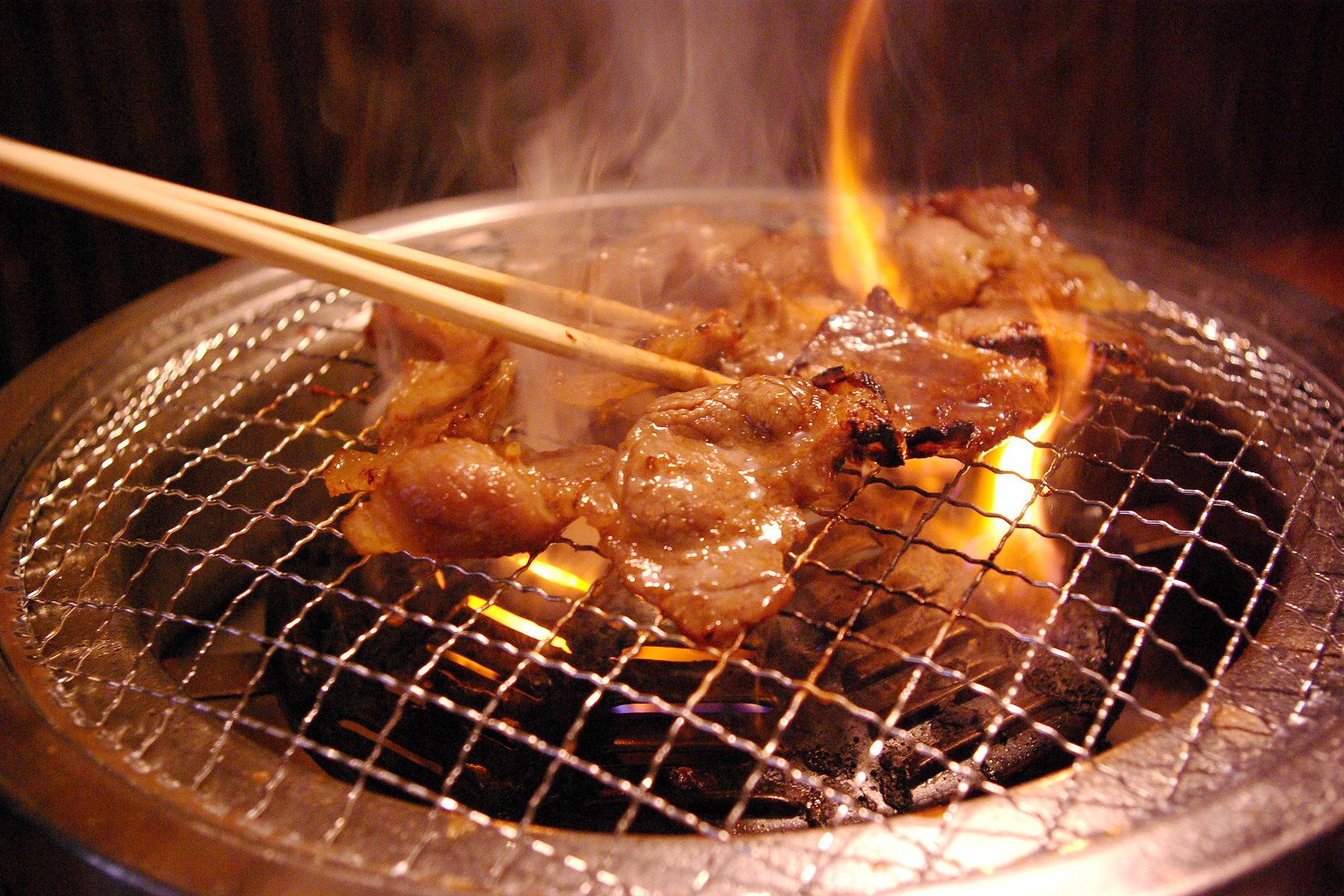 焼肉・ホルモン焼き・コレステロール・炭火焼き