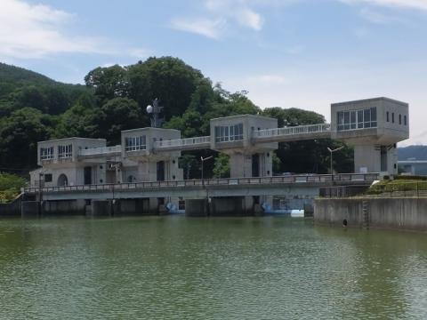 釜口水門と管理橋