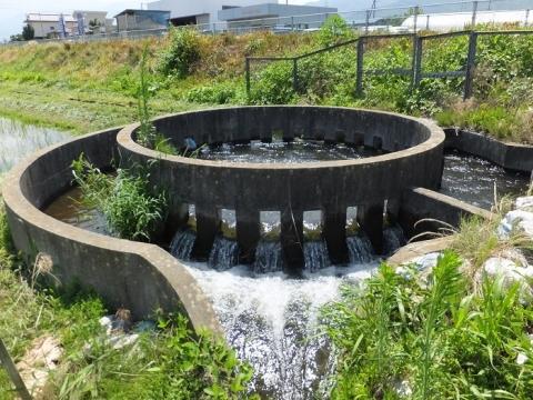 西天竜幹線水路「松島10号」円筒分水工