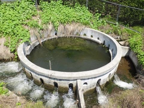 西天竜幹線水路・円筒分水工「大島24号」