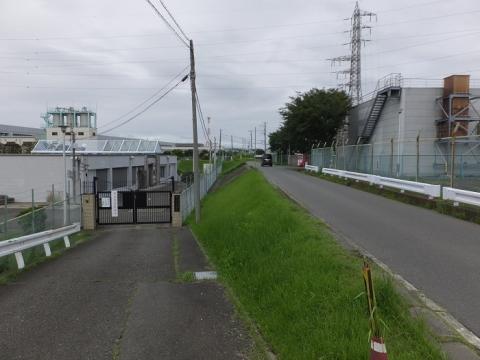 相模川旧堤防・寒川取水事務所付近