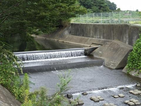 荻野川の小山谷戸堰