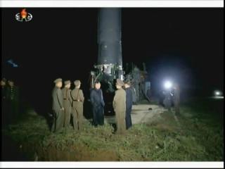 20170830 경애하는 최고령도자 김정은동지께서 조선인민군 전략군의 중장거리 전략탄도로케트발사훈련을 지도하시였다mp4_000105474