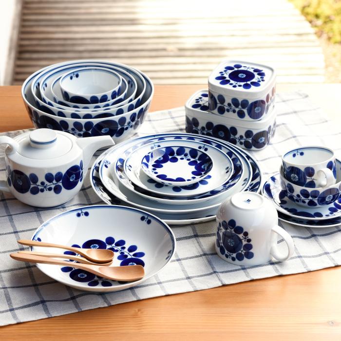 0 h 白山陶器が販売するブルーム柄の皿