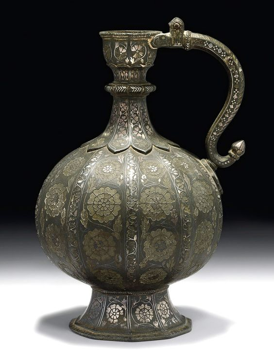 0 kki SILVER INLAID BIDRI EWER - India (Deccan, Bidar), 17th century