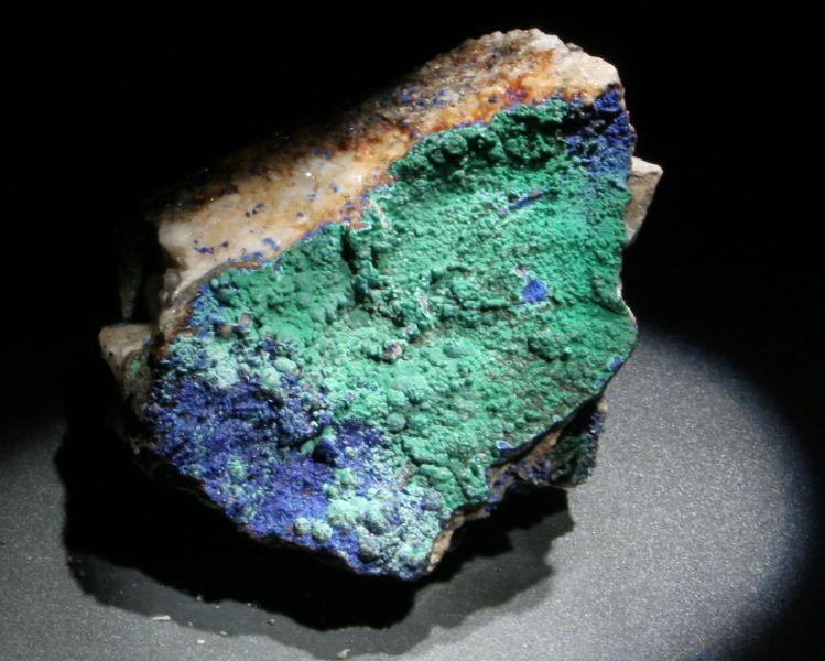 zz ラピス 青金玉 藍銅鉱(青色)と孔雀石(緑色)