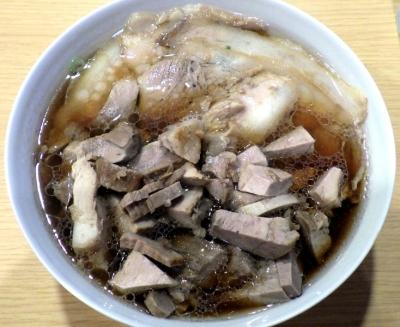 西梅田らんぷ 醤油ラーメンポーク サイコロ肉増