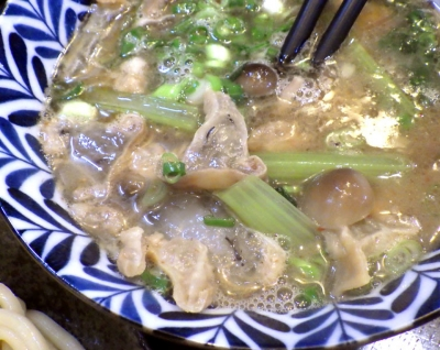 綿麺 フライデーナイト Part133 (17/7/14) 小松菜としめじと油かすのつけ麺(つけ汁のアップ)