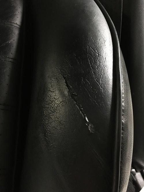 レザーシート 破れ補修 ポルシェ911(964)