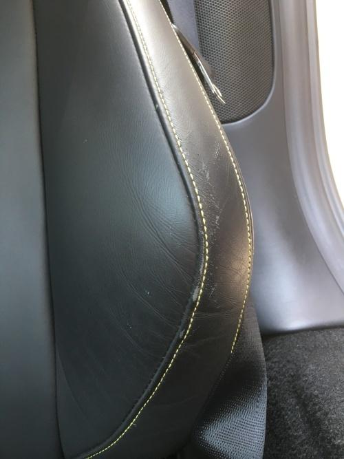 レザーシート 擦れ補修 フェラーリ458スパイダー