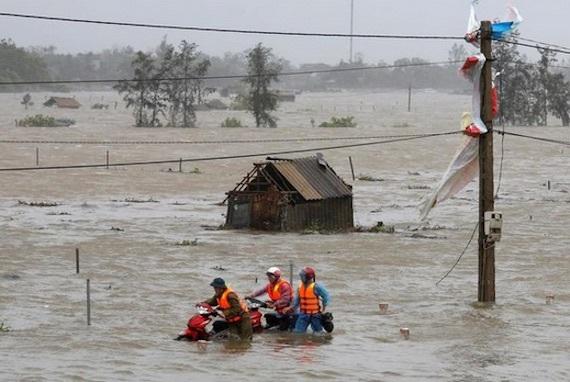 vietnam-floods-water敏恵の死亡以後の朝鮮人天皇教カルト信者街の未来予定図死亡丁