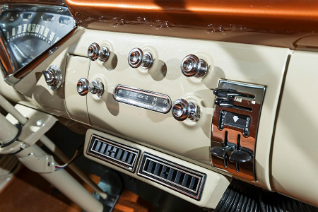1959-chevrolet-apache-interior-stereo-and-air-conditioning.jpg