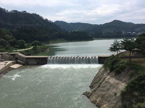 15錦秋湖大滝
