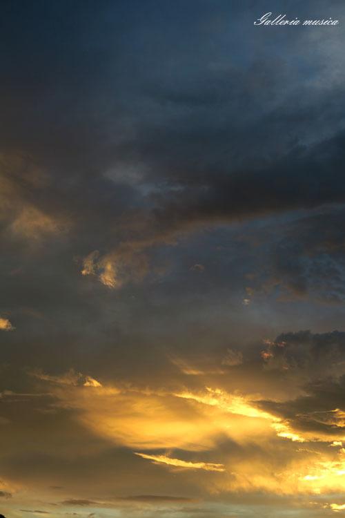 台風通過中の夕焼け。4