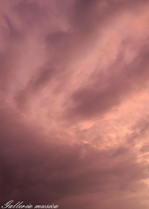 雷雨上がりの空。3