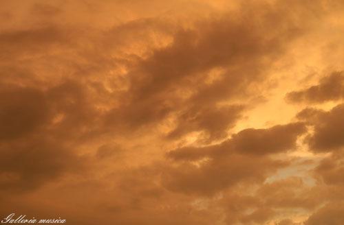 雷雨上がりの空。4
