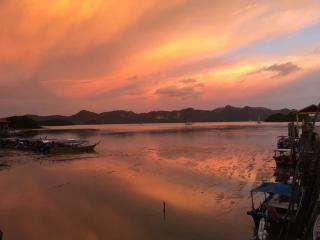 sunset100817