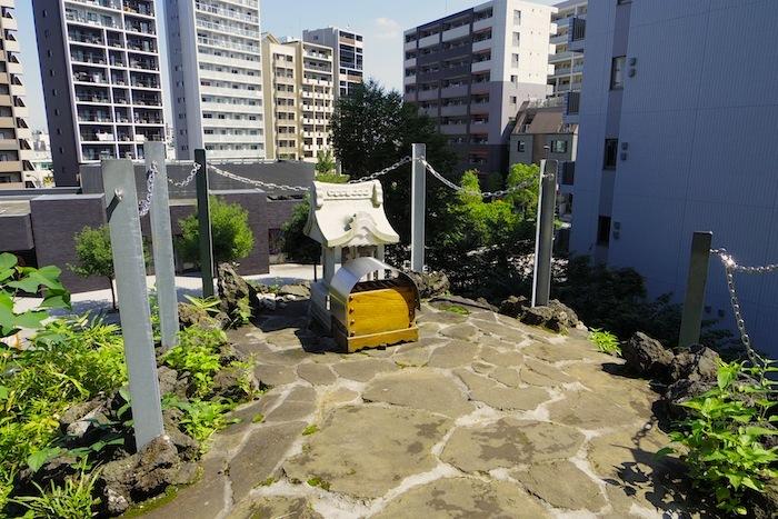 「成子天神社の富士塚(鳴子富士)」―新宿区登録文化財 史跡ー