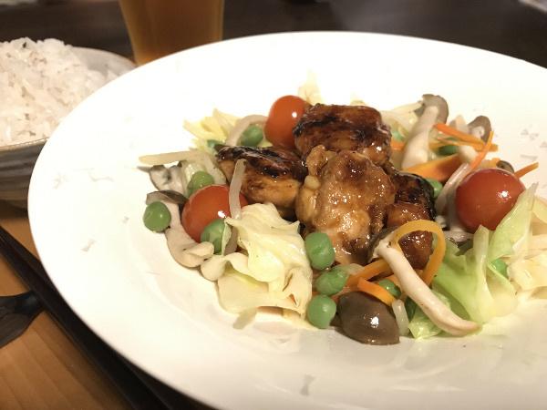 Jly25_鶏の照焼きのせ野菜炒め