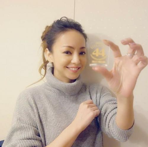 安室奈美恵(40)←老けたクソババアwwww