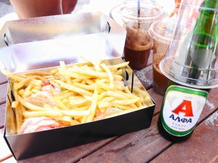 クラブサンドイッチとビール