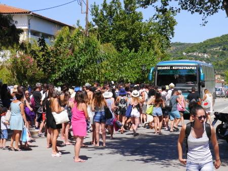 バス停の行列