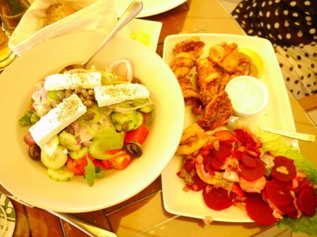 グリークサラダとカラマリ