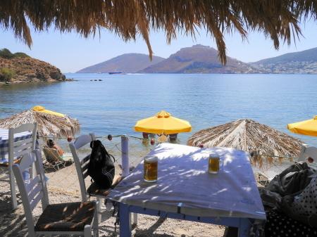 カストロと海を見ながら昼食