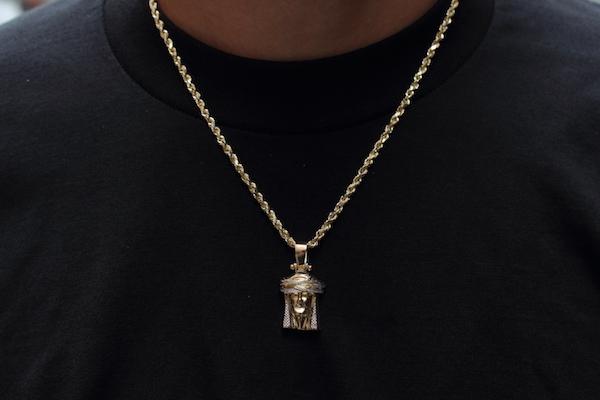 186growaround_jewelry_2017.jpg