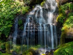 吐竜の滝 E