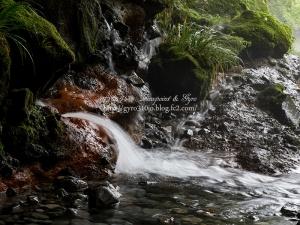 陣馬の滝 J