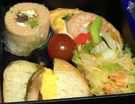 ANA28便 軽食の機内食(2017年5月)<