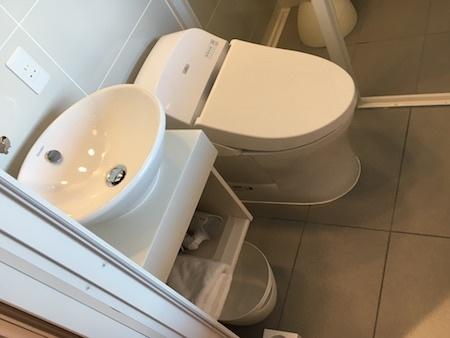 阪急阪神HD レム六本木 トイレと洗面所