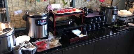 ザ・ダイニング万彩の朝食ブッフェ ご飯・味噌汁・カレー