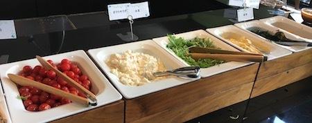 ザ・ダイニング万彩の朝食ブッフェ サラダバー・前半