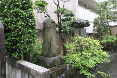 玉川兄弟の墓(聖徳寺)