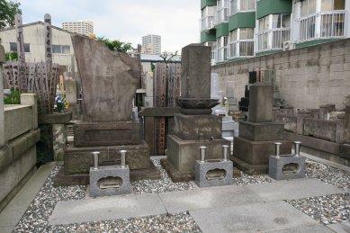 大奥年寄・瀧山の墓